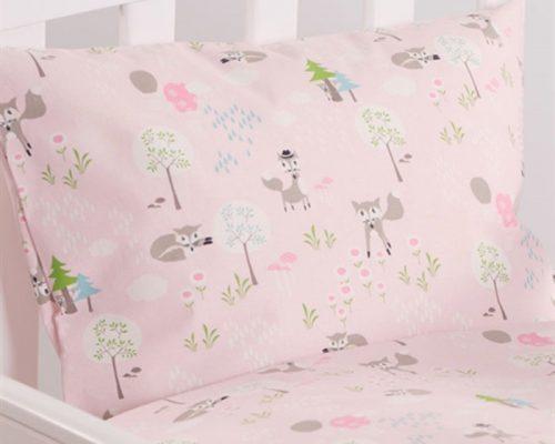 Nørgaard Madsen Skovens dyr rosa juniorsengetøj